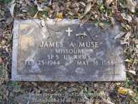 033_muse_james