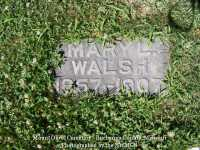 000764_walsh_mary_l_with_family_stone