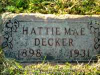 033_decker_hattie